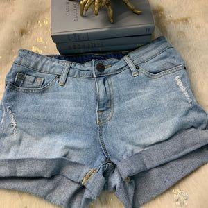 BDG denim shorts mid rise Alexa size 25 ♥️